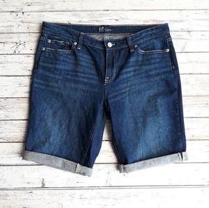 """GAP 9"""" Cuffed Jean Shorts Bermuda Dark Wash 30"""